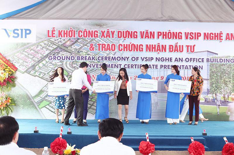 To Chuc Su Kien Le Khoi Cong Dong Tho 1